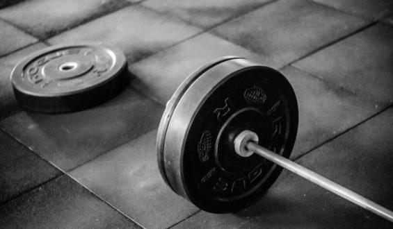 L-glutamina buduje mięśnie